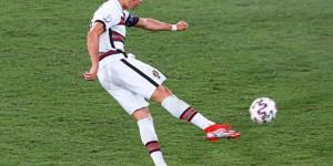 欧洲杯球员主要数据排行:C罗&希克均进5球,祖贝尔助攻王