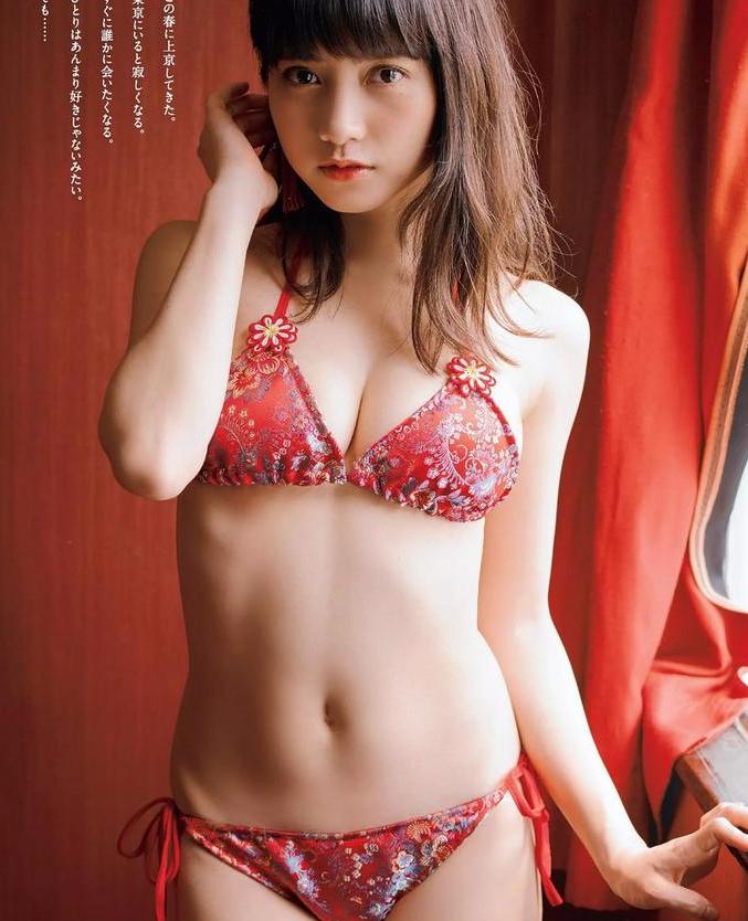 桃月梨子(桃月なしこ)最新写真 复古刺绣内衣包不住巨乳