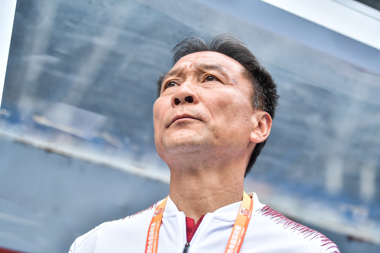 沈祥福:青训选材不能太注重身体条件 我非常支持年轻球员留洋