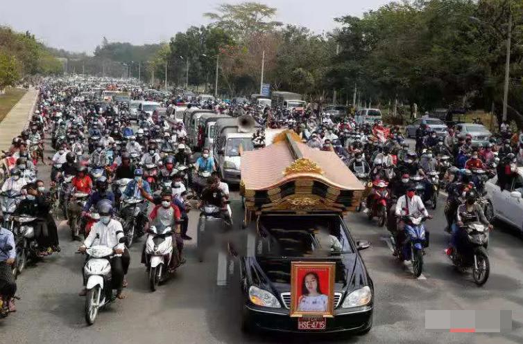 """全球都在关注 今天缅甸""""五二全国总罢工"""""""